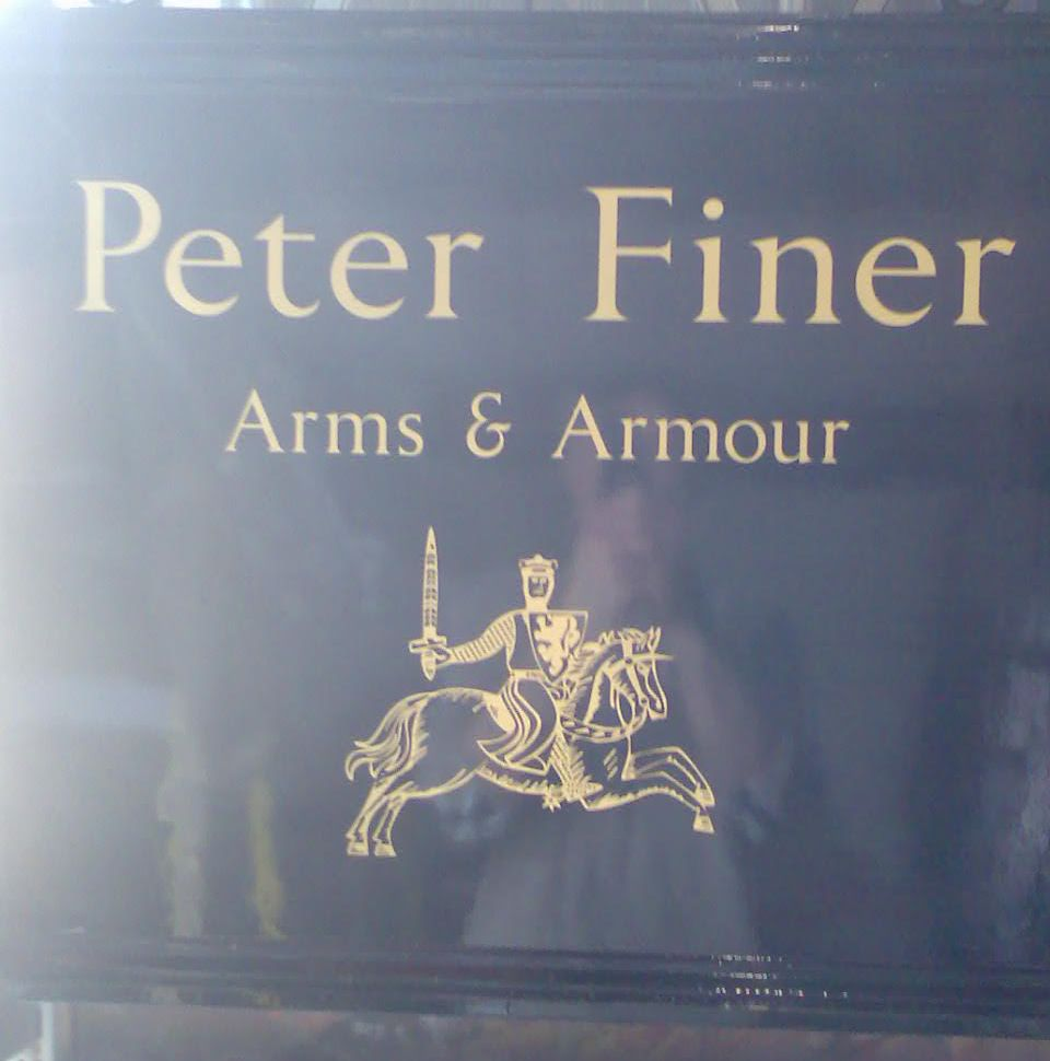 Peter Finer, Suits of Armour. London, 2007