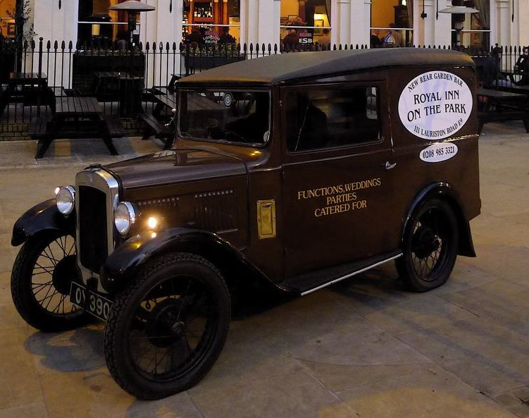 Austin-7-at-the-Royal-Inn-1